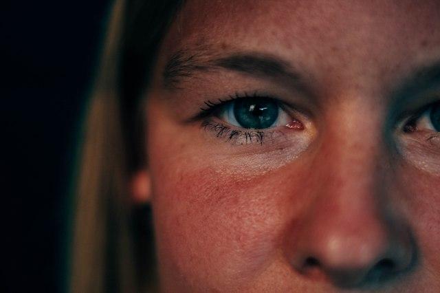 eline close-up eye