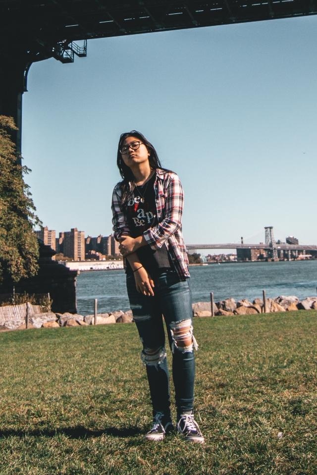 portrait Esmee LO Manhattan bridge full